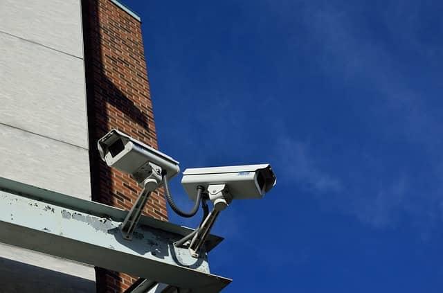 Camaras vigilando para evitar robos en domicilios